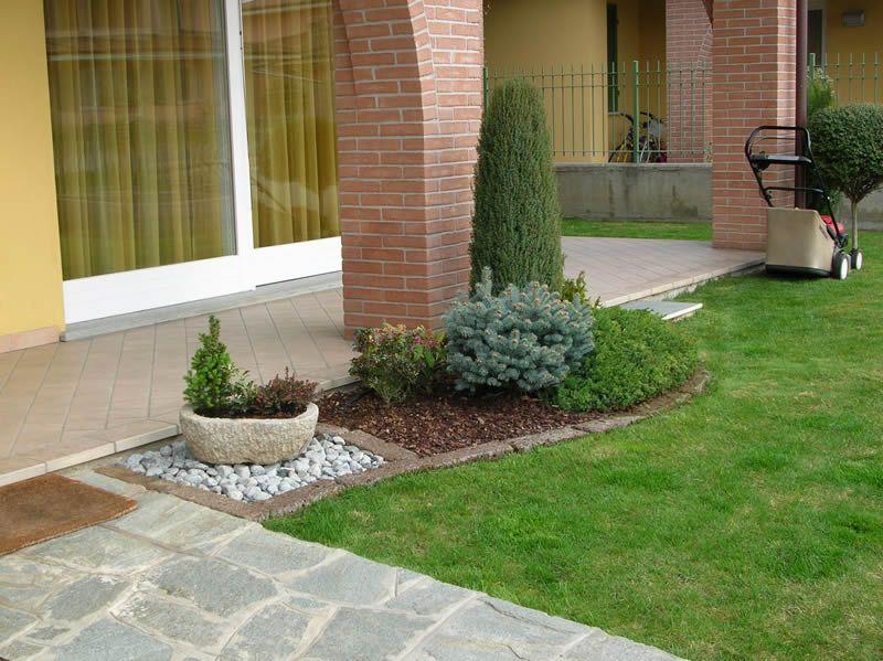 Aiuole con sassi cerca con google giardino jardines for Aiuole giardino con sassi