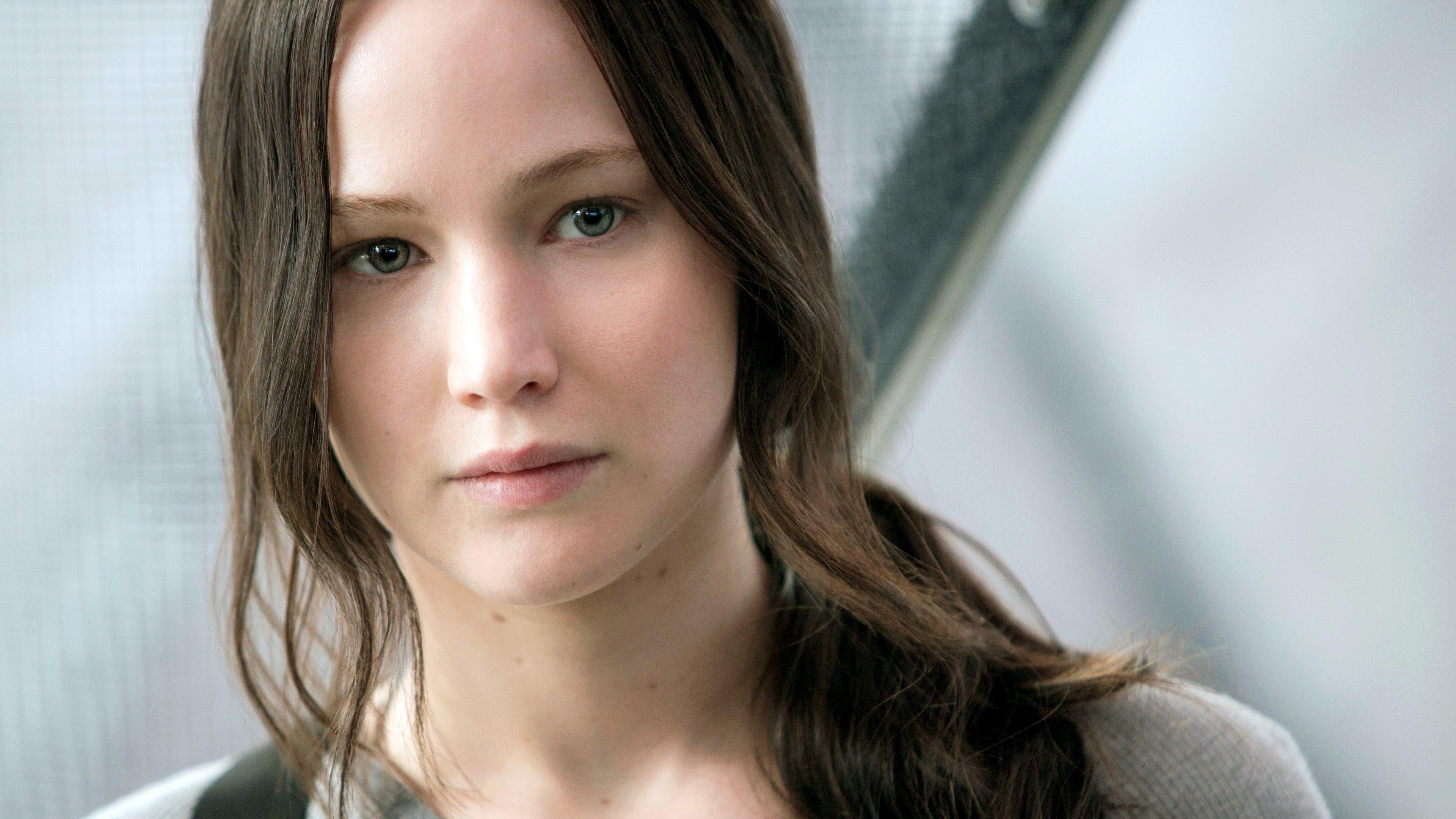 The Hunger Games Mockingjay Del 2 2015 Putlocker Film Complet Streaming Katniss Everdeen Jennifer Lawrence Mockingjay Hunger Games Mockingjay Hunger Games