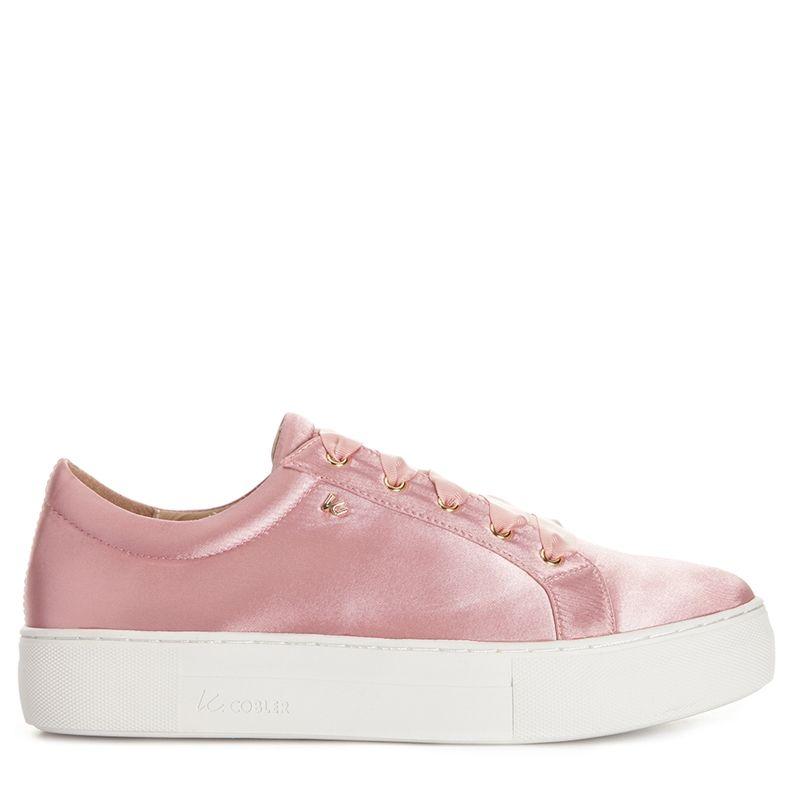 Anaheim från K.Cobler är en sneaker i rosa satin med en
