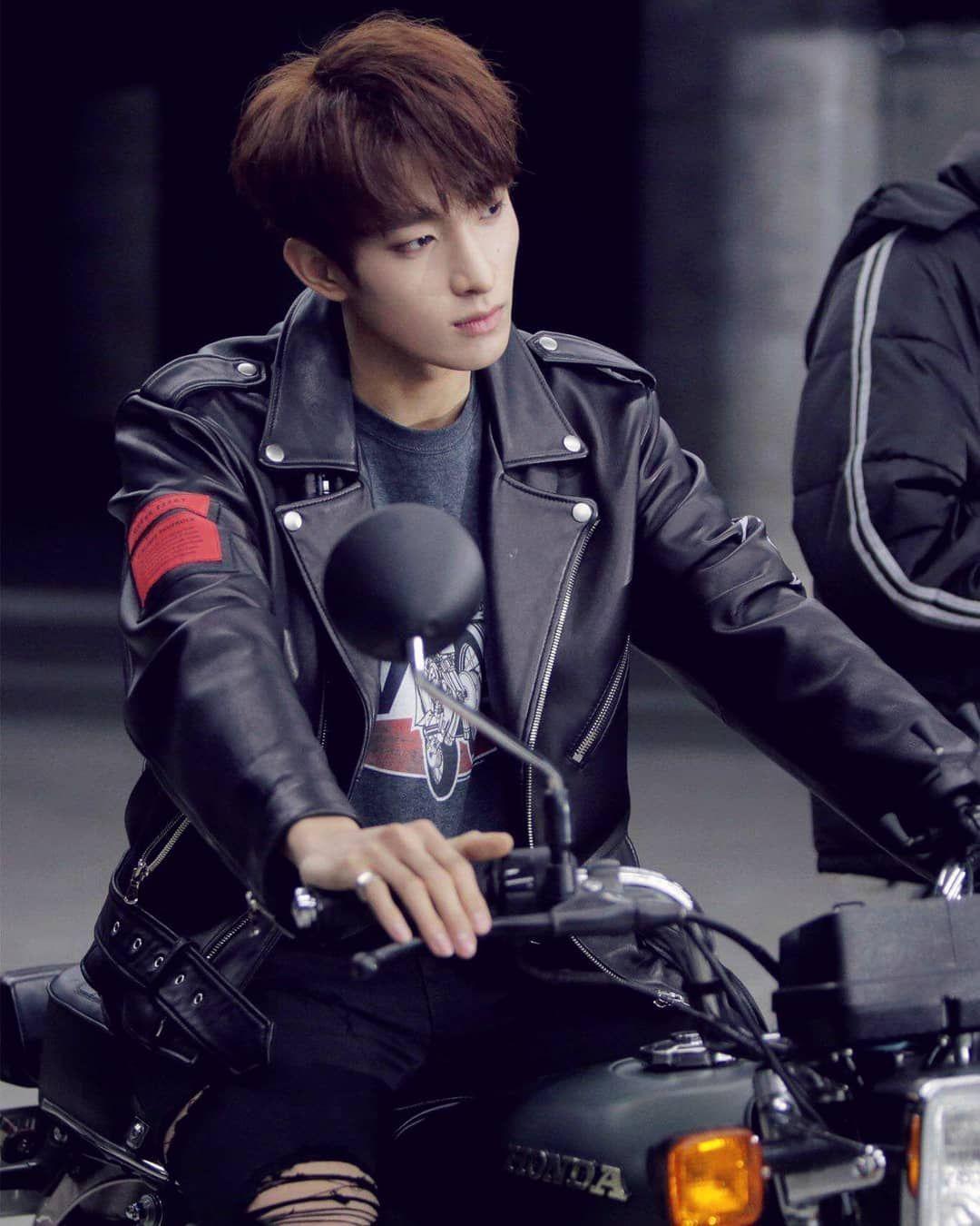 Kpop Seventeen Callcallcall Kpopfan Kpopidol Idol Dk Dokyeom Seventeendk Seventeenthe8 Seokmin Leeseokmin Seventeen Entertainment Hip Hop