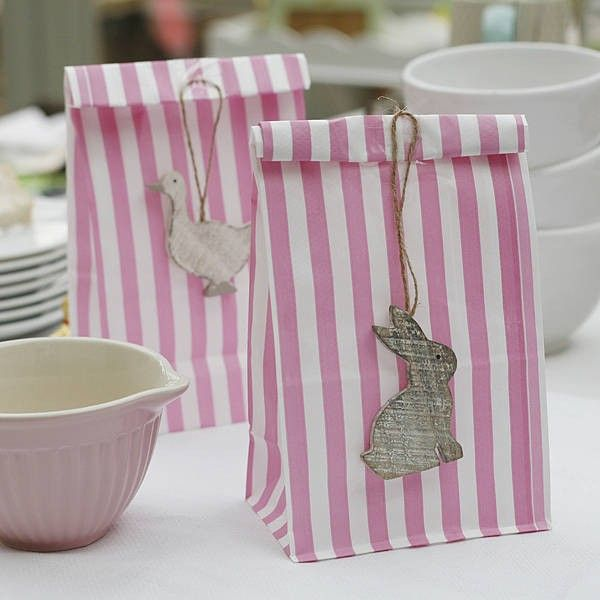 Candy stripe gift bags bunny rabbit easter gift wrap such 2014 candy stripe gift bags bunny rabbit easter gift wrap easter table setting easter holiday ideas easter day bag decor craft ideas loveitsomuch negle Choice Image
