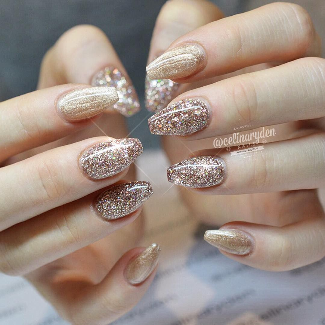 10 Shimmering New Year's Eve Nails for the Confetti
