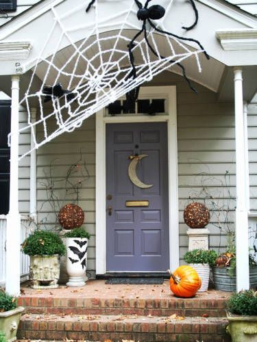 55 Best Outdoor Halloween Decorations To Spellbind Every Trick Or Treater With Images Halloween Front Porch