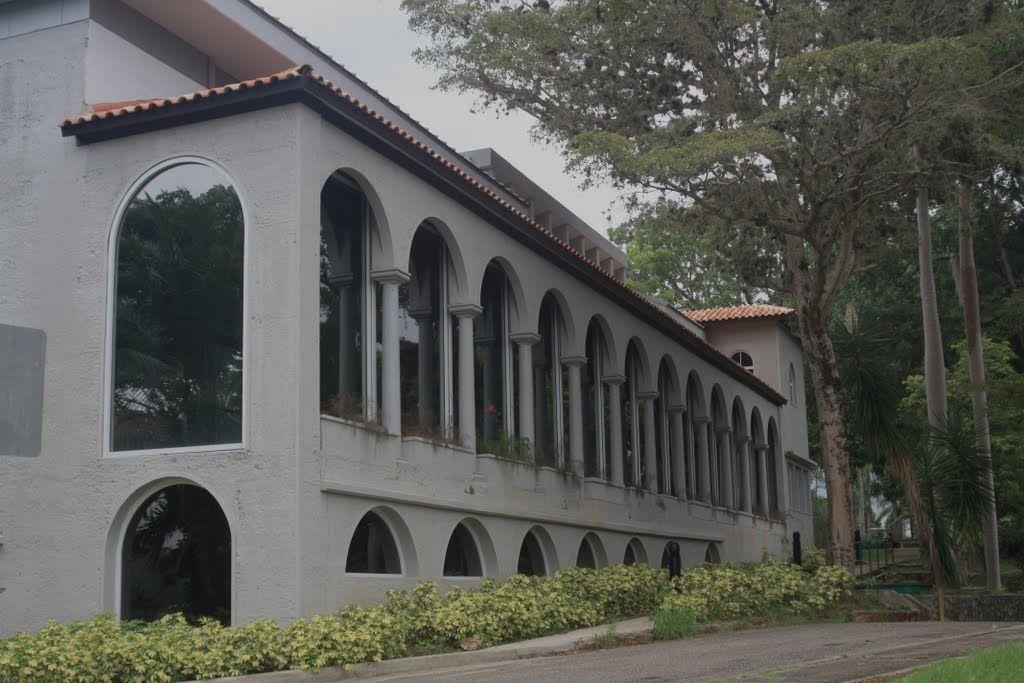 Muses de Profesores Colegio de Mayaguez, P.R.