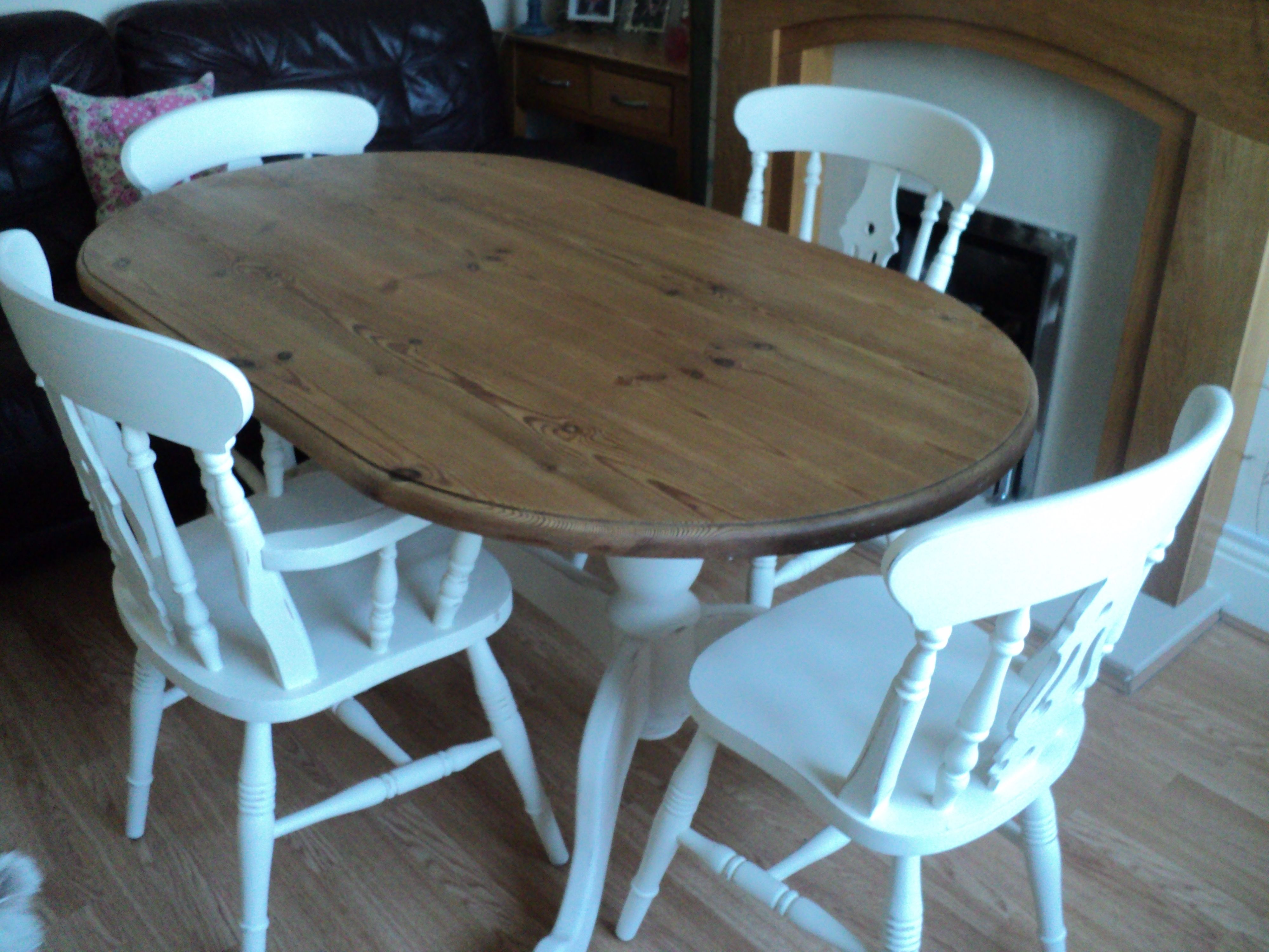 Pine table and chairs in Annie Sloan | My next projects | Pinterest ...