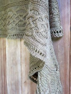 Photo of [Free Pattern] Absolutely Stunning Light-Weight Cables Shawl For A Classy Lady At Heart – Knit And Crochet Daily