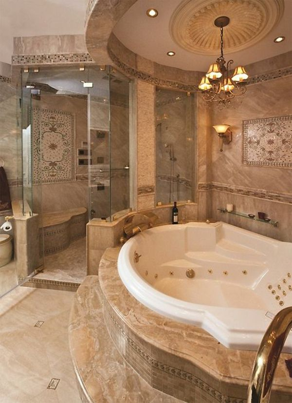 Luxus Badezimmer Design Ideen Eingebaute Wanne Gold Akzente