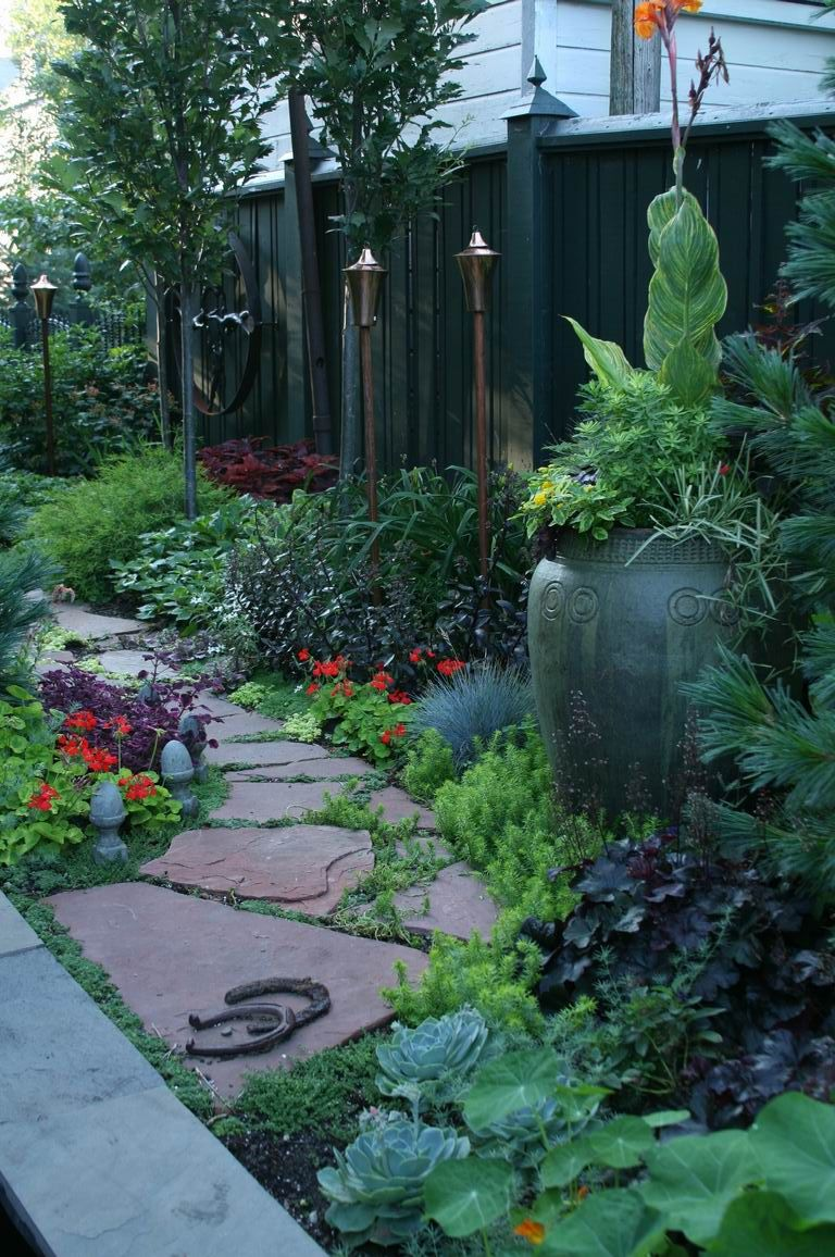 Cottage Style side yard, view from patio to the front ... on Front Side Yard Ideas id=38205