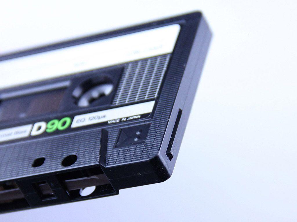 Audio cassette / wallpaper