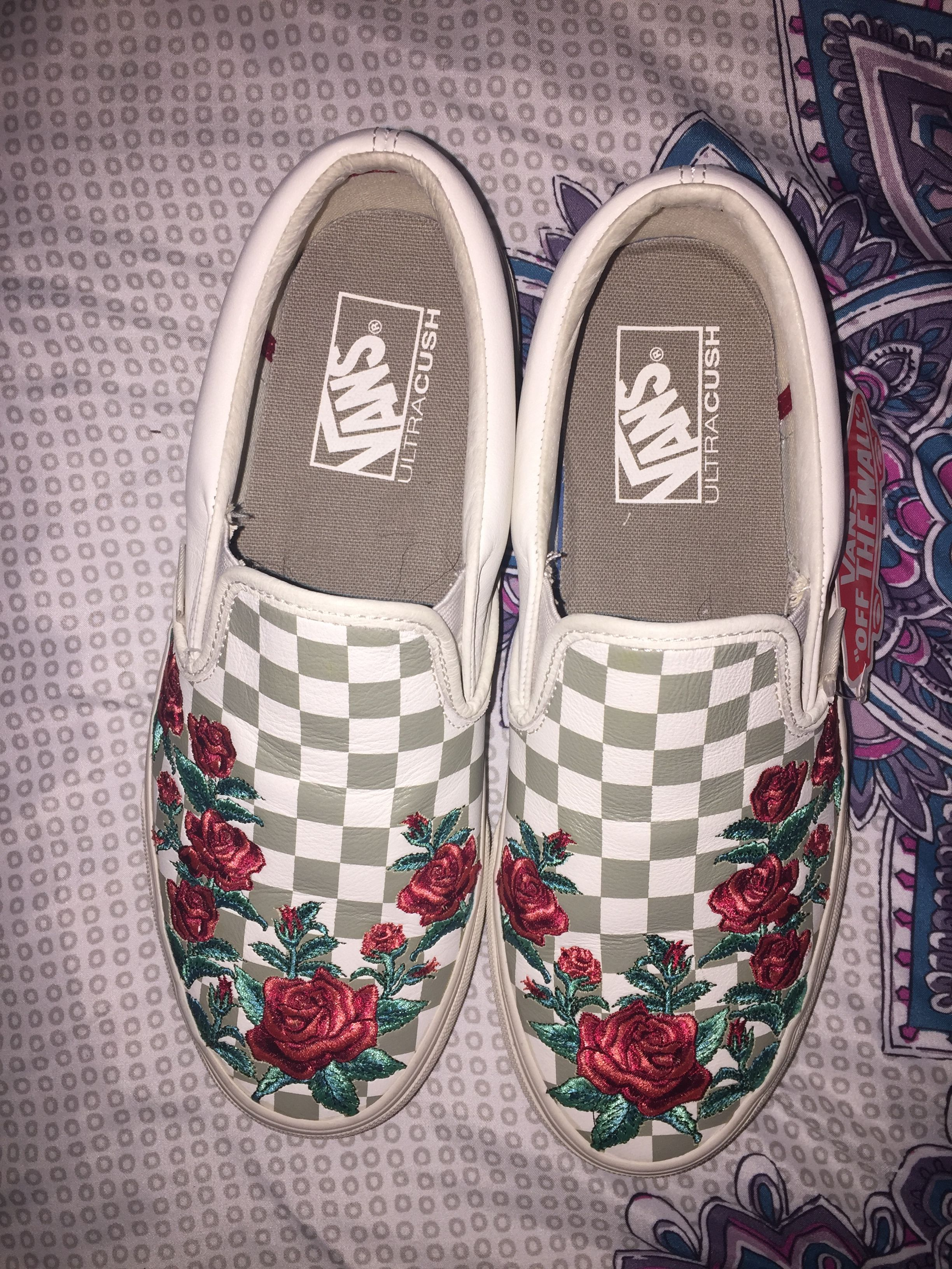 02795891c305 Green checkered vans with red rose patches
