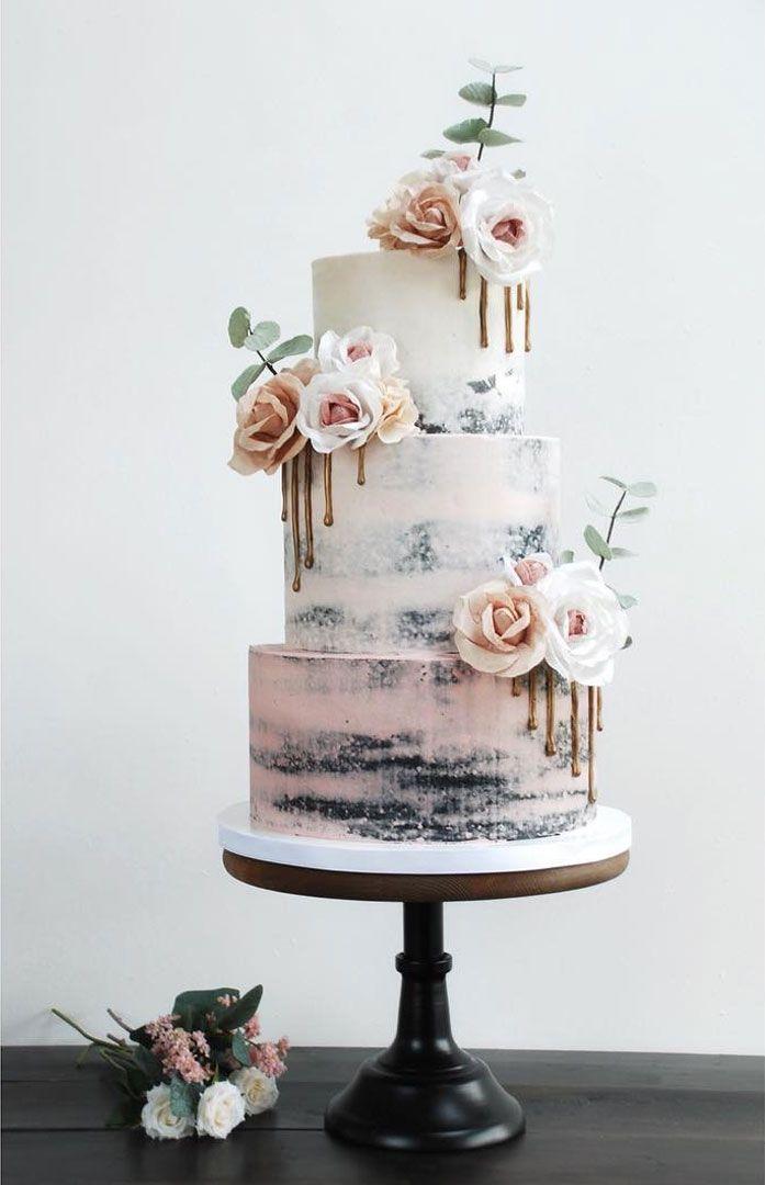 Halbnackte Buttercremehochzeitstorte mit handgefertigten Waffelpapierblumen und Bronze-Ganache-Tropfen.   – Not even my wedding