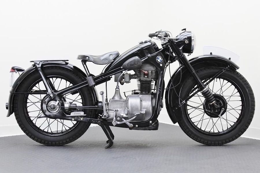 1948 Bmw R35 With Images Bmw Motorcycles Classic Motorcycles