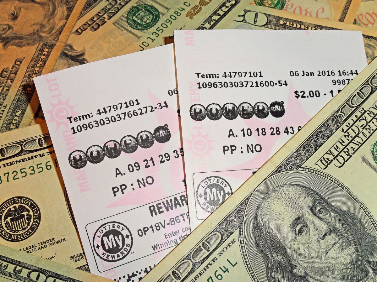California Lottery Winning Powerball ticket sold in LA