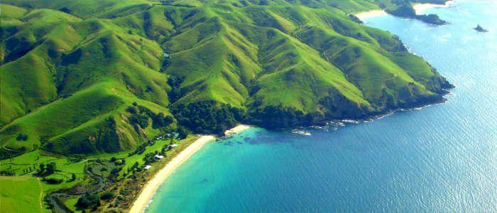 Taupo Bay in New Zealand Richard Liam [OC] {Size: 700  300}