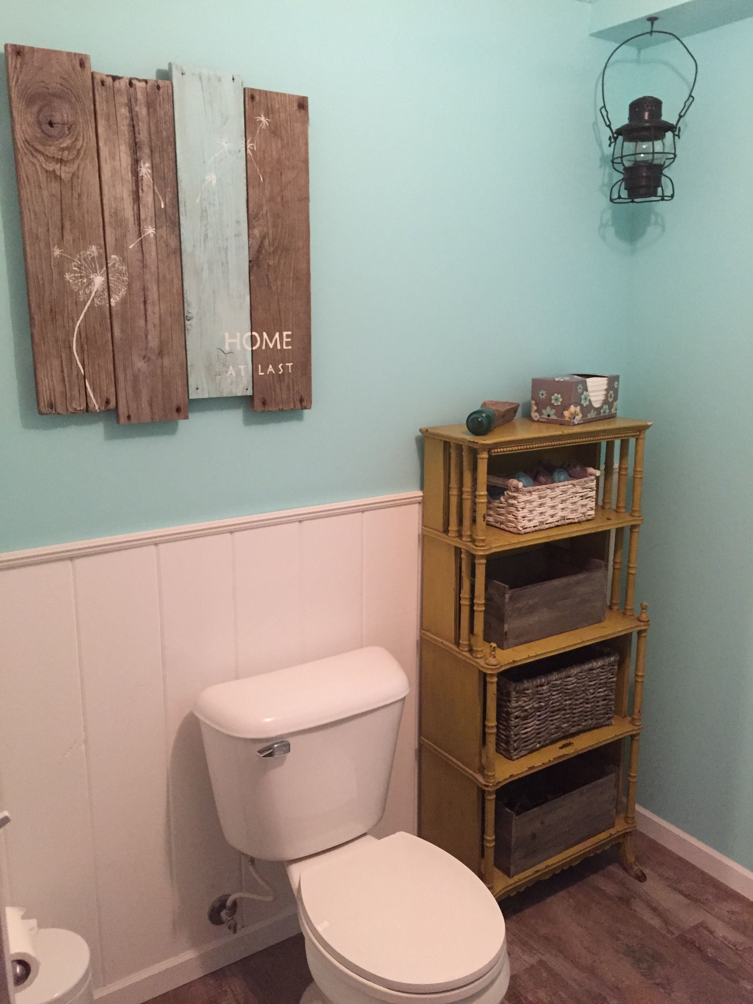 Rustic farmhouse bathroom | Farmhouse bathroom, Rustic ... on Rustic Farmhouse Farmhouse Bathroom  id=14025