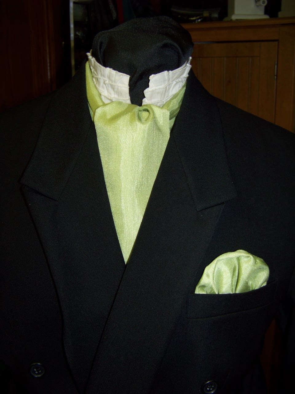 """Ascot or Carvat with pocket square puff Mint Green Matt Satin with Ridges fabric 4"""" x 57"""" Mens Historial Bow Tie or Wedding, cravat tie by civilwarlady on Etsy"""