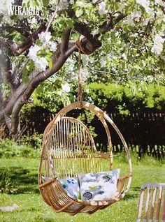 WERANNA'S: Avotakka article - under the apple tree - omenapuun alla