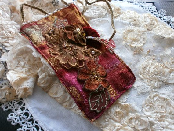 Vintage pouch by Lilla on Etsy