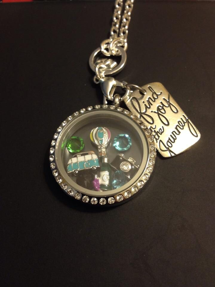 Love to travel or know someone who does? Come on over to Www.SarahButler.origamiowl.com to create your journey today