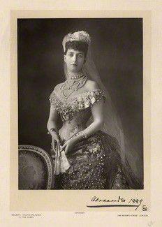 Victorian Women in America | Victorian Women by Walery