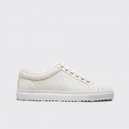 ETQ Amsterdan - Low top calf leather sneaker in off white. Tonal leather trim and lace-up closure. Dark chrome eyelets and a white rubber cup sole unit. Full calf leather lining and insole. Come in a branded box with a dust bag and a spare set of waxed laces.