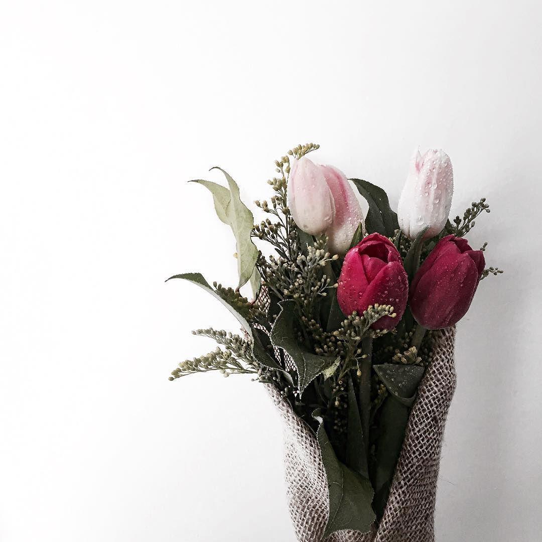 http://amzn.to/1ZolIuh Happy Mother's Day Mum #happymothersday #mum #꽃다발 #flowers #일상 #데일리 #minimalism #패션스타그램 #옷스타그램 #패션 #fashion #사진스타그램 #fashiongram #일상스타그램 #멋스타그램 #photography #peoplescreatives by blvkcat