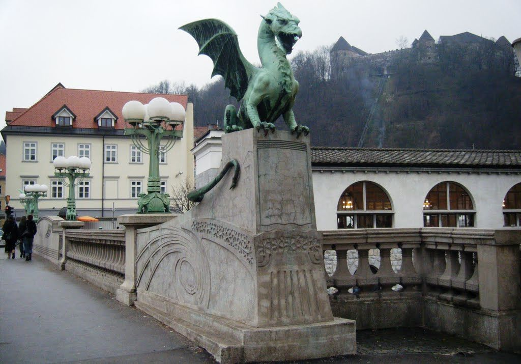 El Puente De Los Dragones Liubliana Eslovenia Construido En 1901