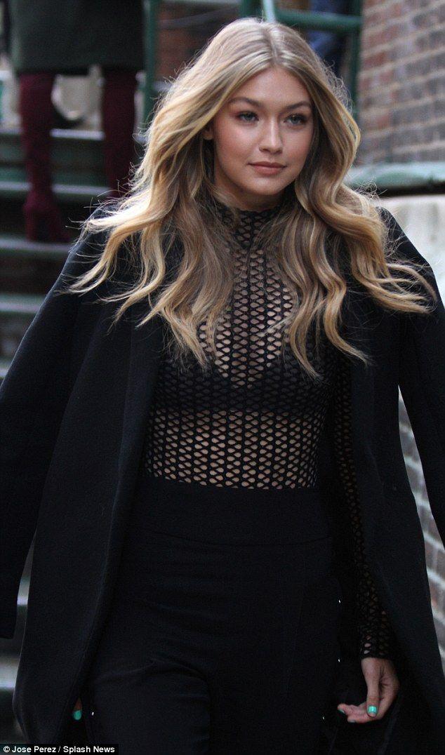 Kendall Jenner und Gigi Hadid hinter den Kulissen vor der VS-Modenschau   – v i c t o r i a ' s ~ s e c r e t ~ a n g e l s