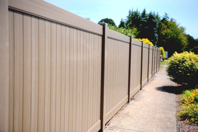 Garden Beautiful Fence Wooden Brown Color Suitable Privacy Fence