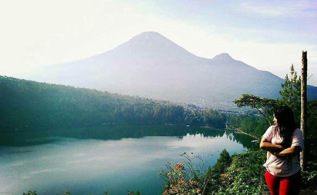 11 Pemandangan Alam Bukit Mengagumi Kecantikan Alam Wonosobo Di Bukit Seroja Download Indahnya Pemandangan Alam Dari Bukit Peramo Di 2020 Pemandangan Gambar Alam
