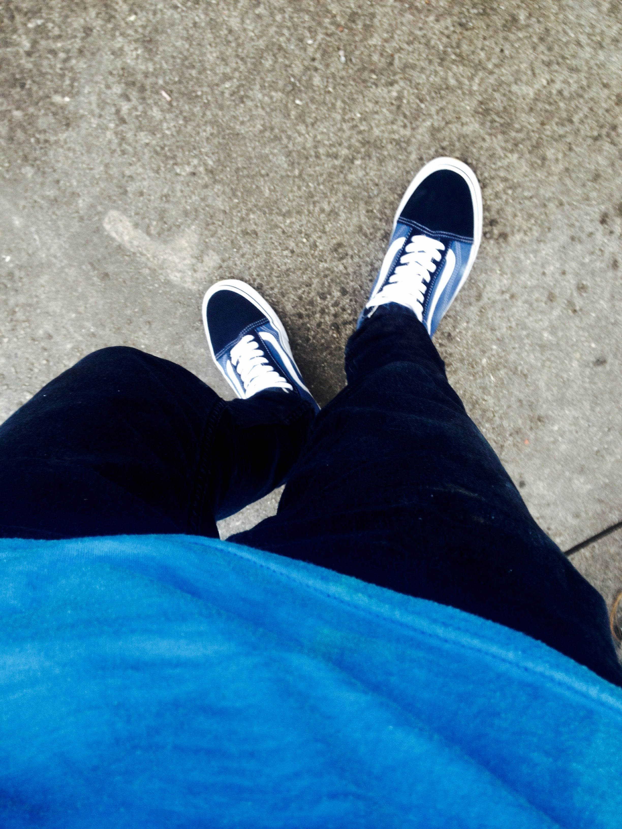 90cb020c638c Instagram  Kire Sk8 Vans old skool navy Outfit Vans old skool