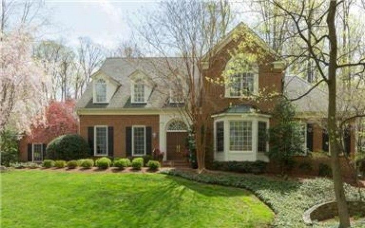 11214 River View Drive: Luxurious space perfect for entertainment and relaxation! Pool, Wet Bar, Pergola, 6 Bedrooms, 5 1/5 Baths, 3 finished levels and a 3 car garage.  #Potomac #RealEstate #MargieHalemTeam