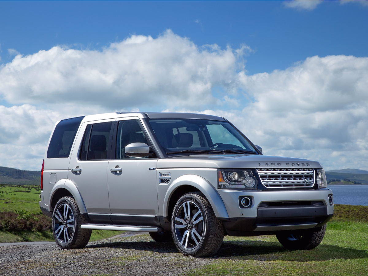 Land Rover Gave The Rugged Discovery Suv A Stylish Makeover And It S Pretty Much Flawless Land Rover Range Rover Supercharged Land Rover Discovery