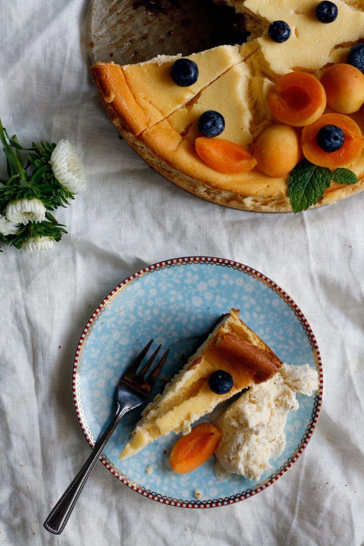 Rezept cremiger Käsekuchen mit Keksboden - Der beste ...