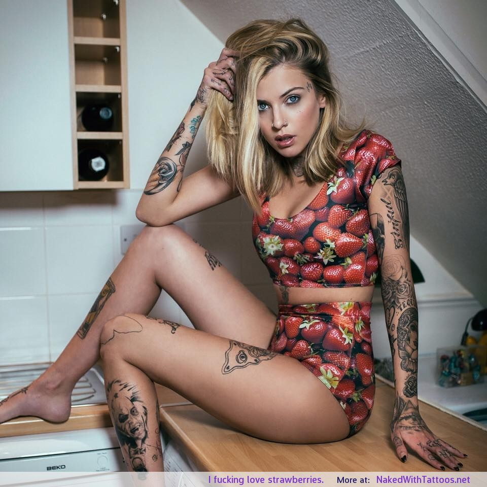 hot girls with tattoos nakd fucking cum