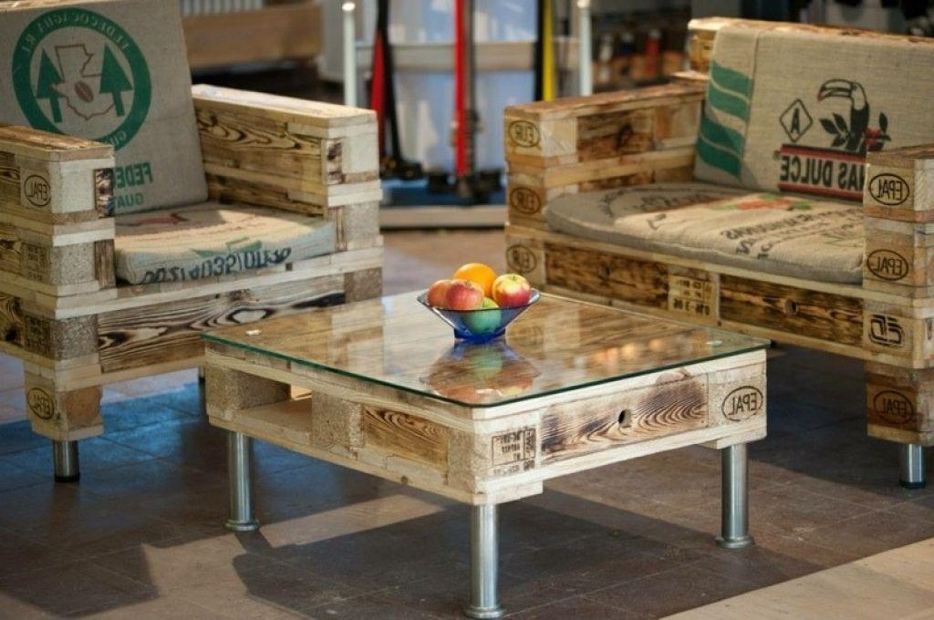 lowboard selber bauen 60 wohnideen mit europaletten. Black Bedroom Furniture Sets. Home Design Ideas