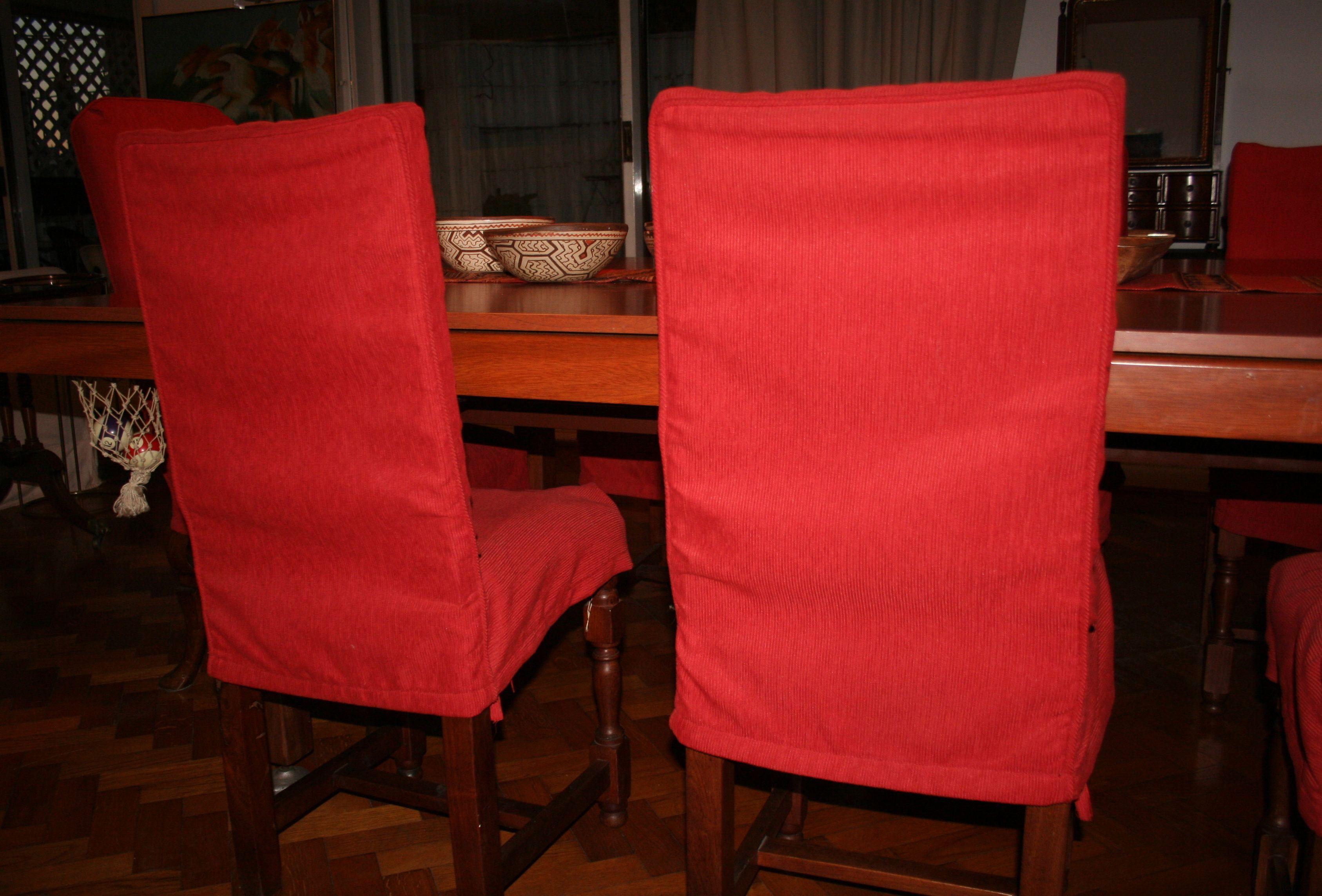 Fundas Para Sillas De Comedor. Detalles De Costuras Del Respaldo. Tela  Elegida, Panama Grueso, Rojo.