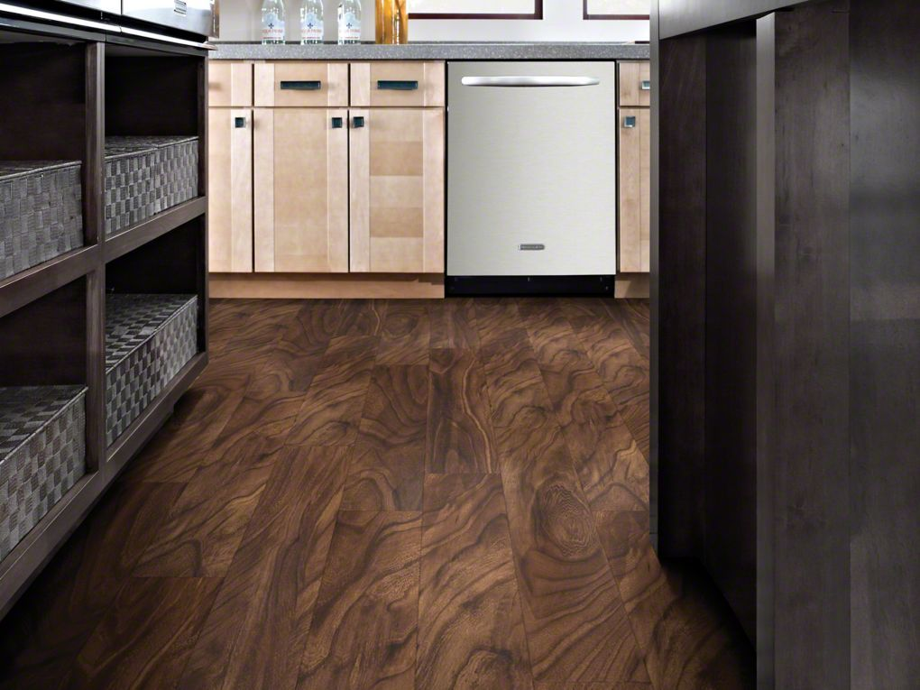 Resilient flooring premio plank piazzo shaw floors for Shaw flooring