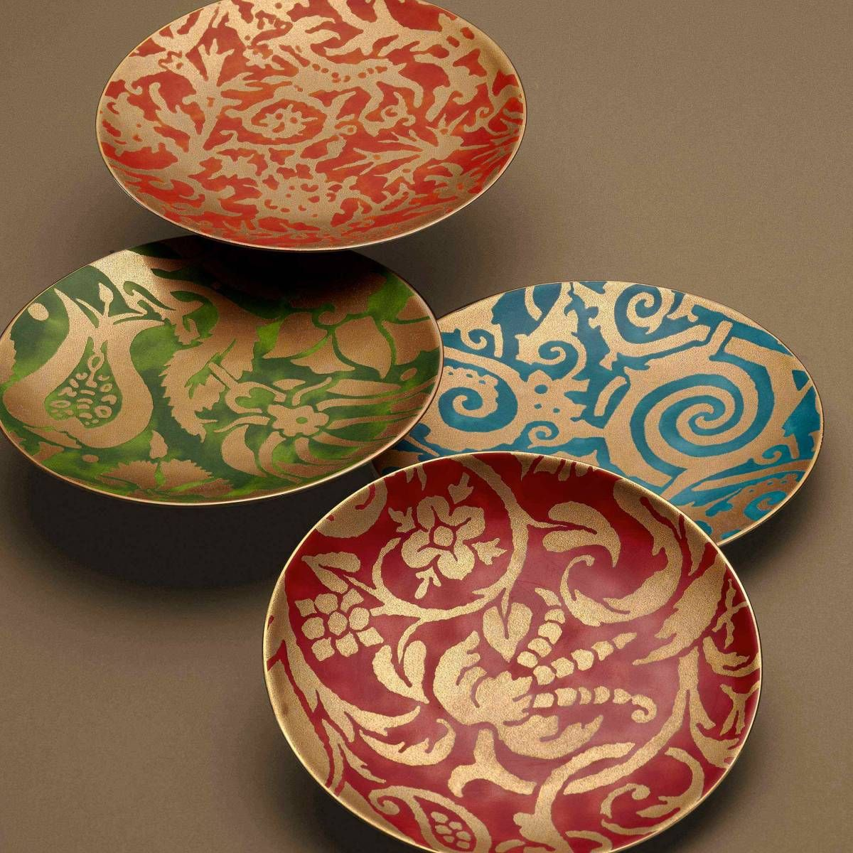 It is fun to eat off these colorful plates designed with a Maori pattern - New & It is fun to eat off these colorful plates designed with a Maori ...