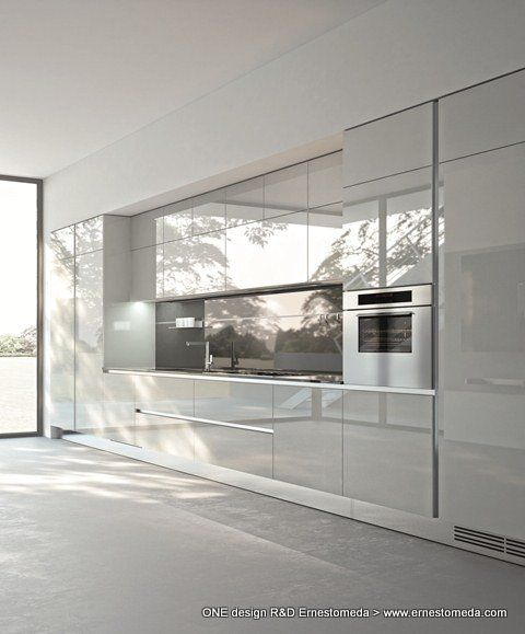 High Gloss Kitchen Island: High Gloss Polished Kitchen Cabinets. #highgloss