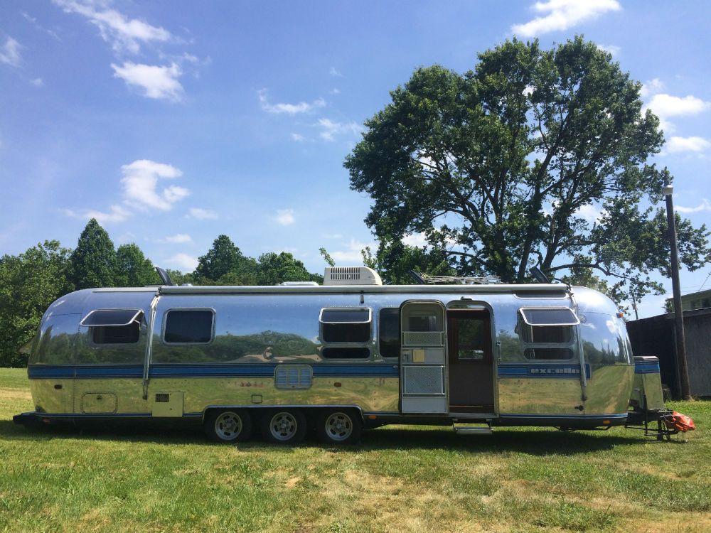 Pin On Vintage Campers N Trailers