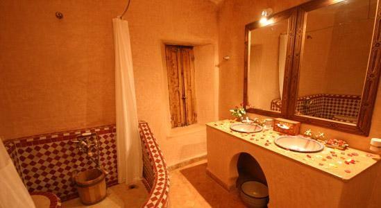 Salle de bain marocaine ideas house pinterest salle - Decoration douche marocain ...