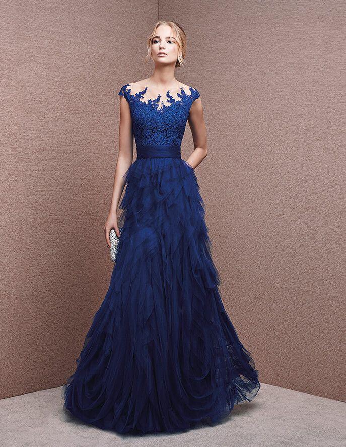 Kleid mit herzförmigem Dekolleté aus Spitze
