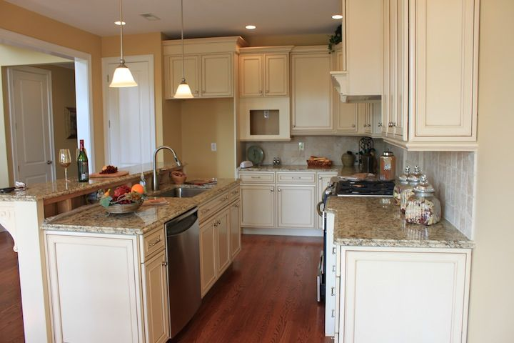 Sal Paone Builder Homes Cold Point Manor Plymouth Meeting Pa Whitemarsh Twp Montgomery County Walnut End Model Kitchen Kitchen Models Kitchen Home