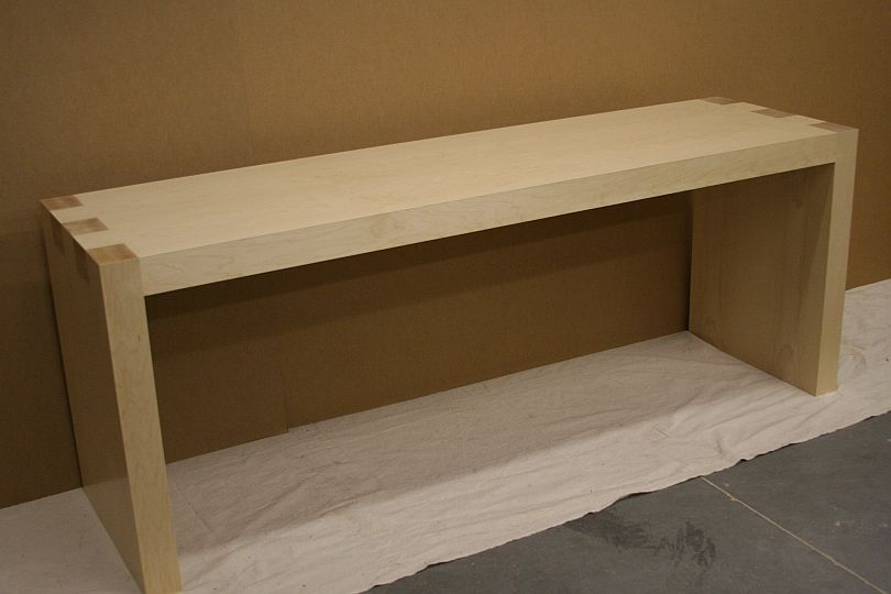 Elegant Apple Store Style Desk From Jawoodworking.com