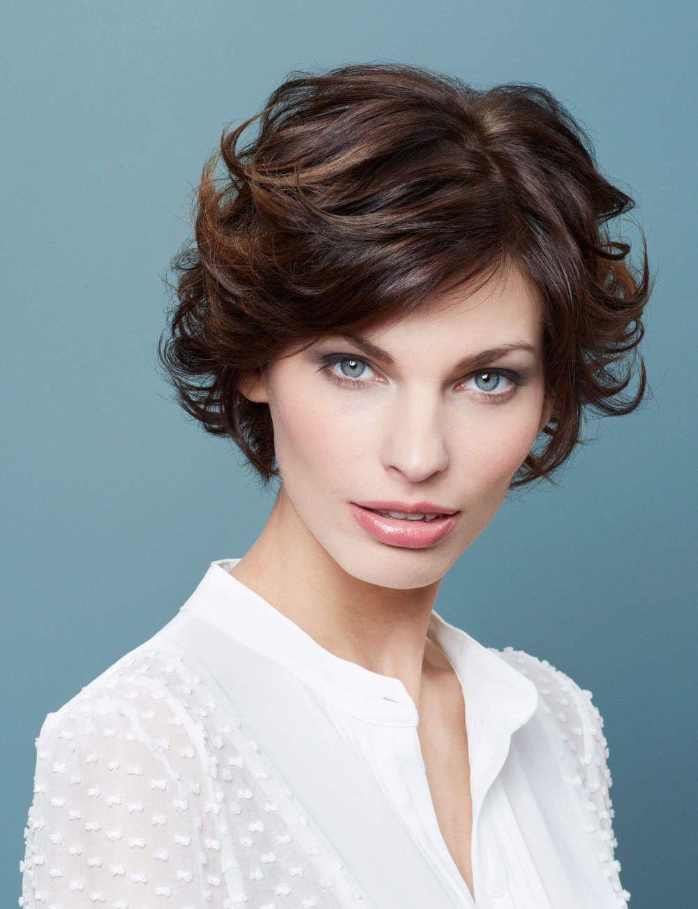 Coupe de cheveux 100 id es coiffures pour trouver votre style carr boucl femme actuelle - Coiffure femme boucle ...