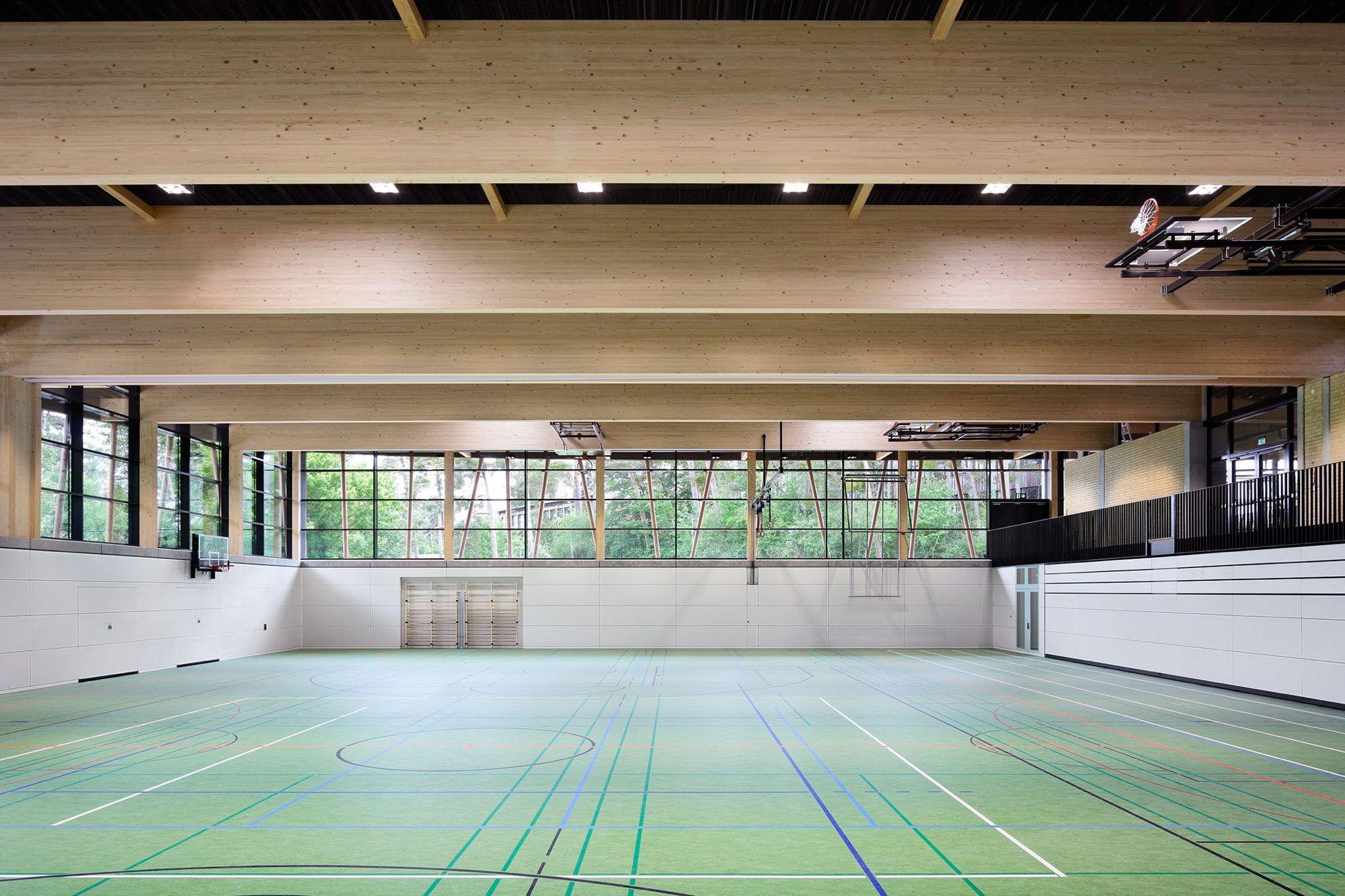Turnen auf der d ne sporthalle in seeheim for Architektur design studium