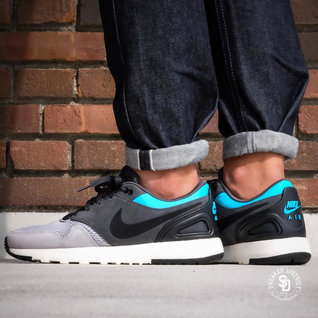 low priced 83a78 53d8a Nike Air Vibenna SE  Wolf Grey Black  Blue Fury