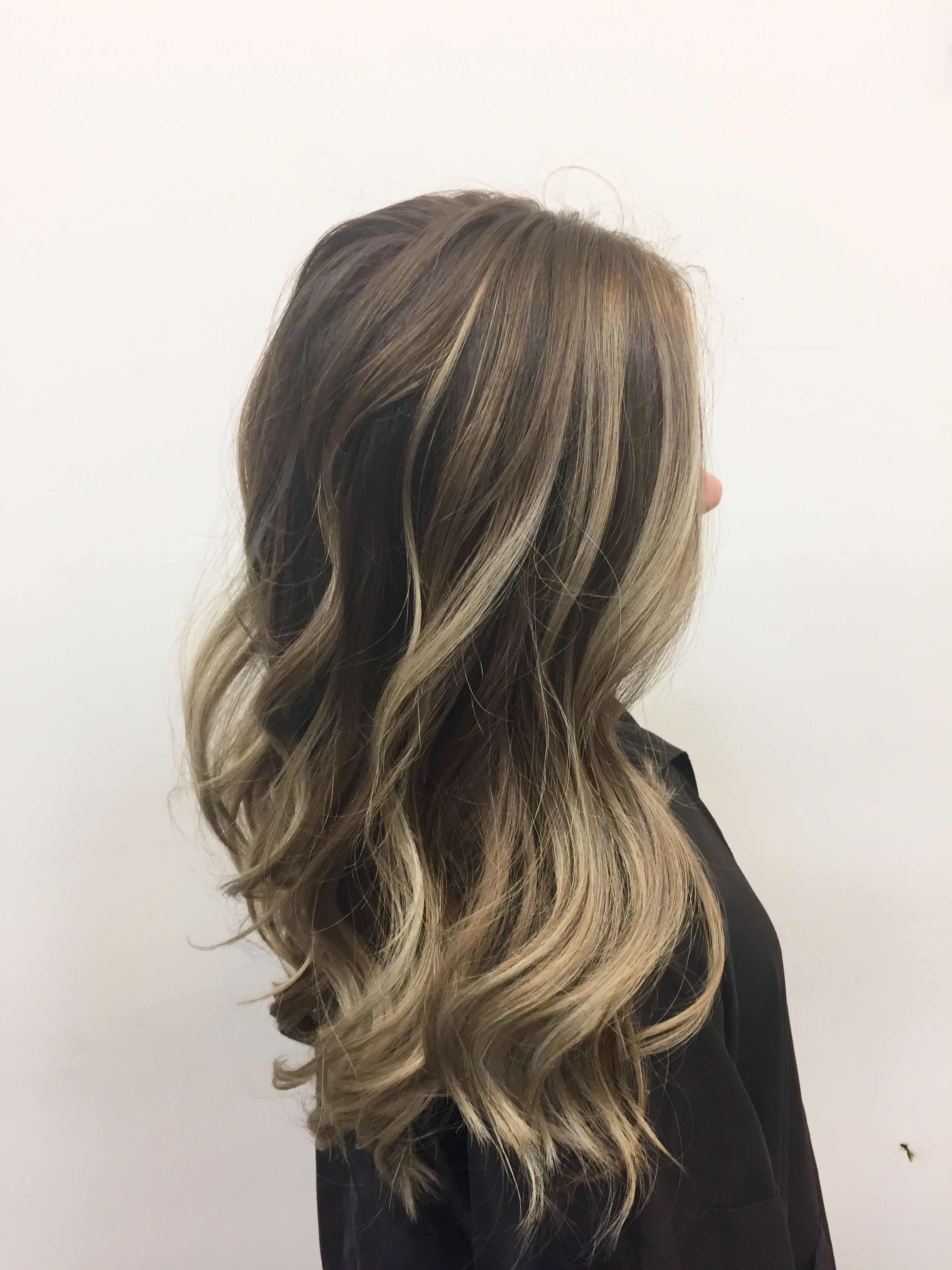 Cool Beige Blonde Balayage On Brown Hair To Make A Ash Color Melt
