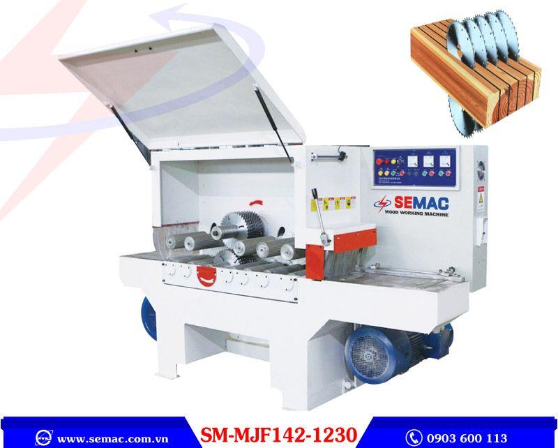 Multi-blade square wood sawing machine